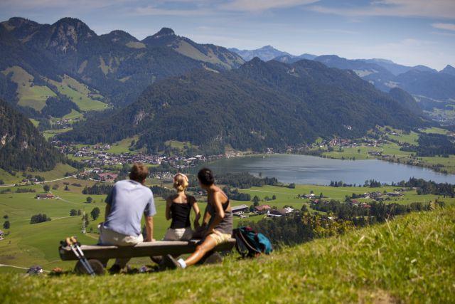 Walchsee – Sagenhaft Baden im wärmsten See Tirols